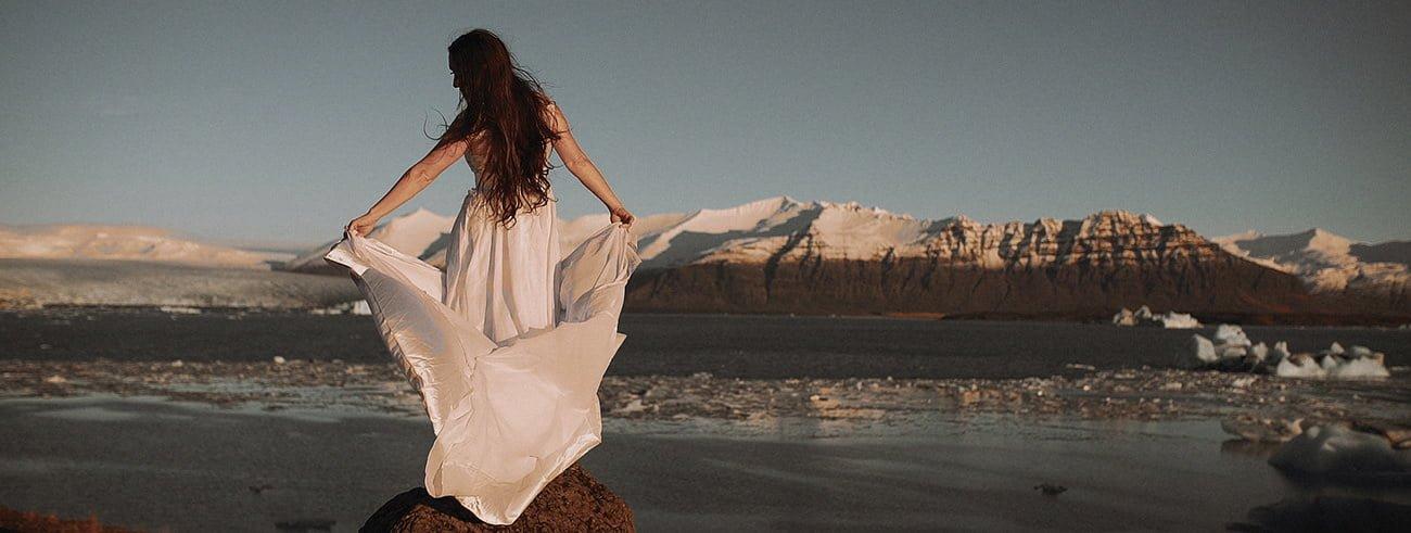 Destination Wedding Filmmaker shooting an Elopement in Iceland