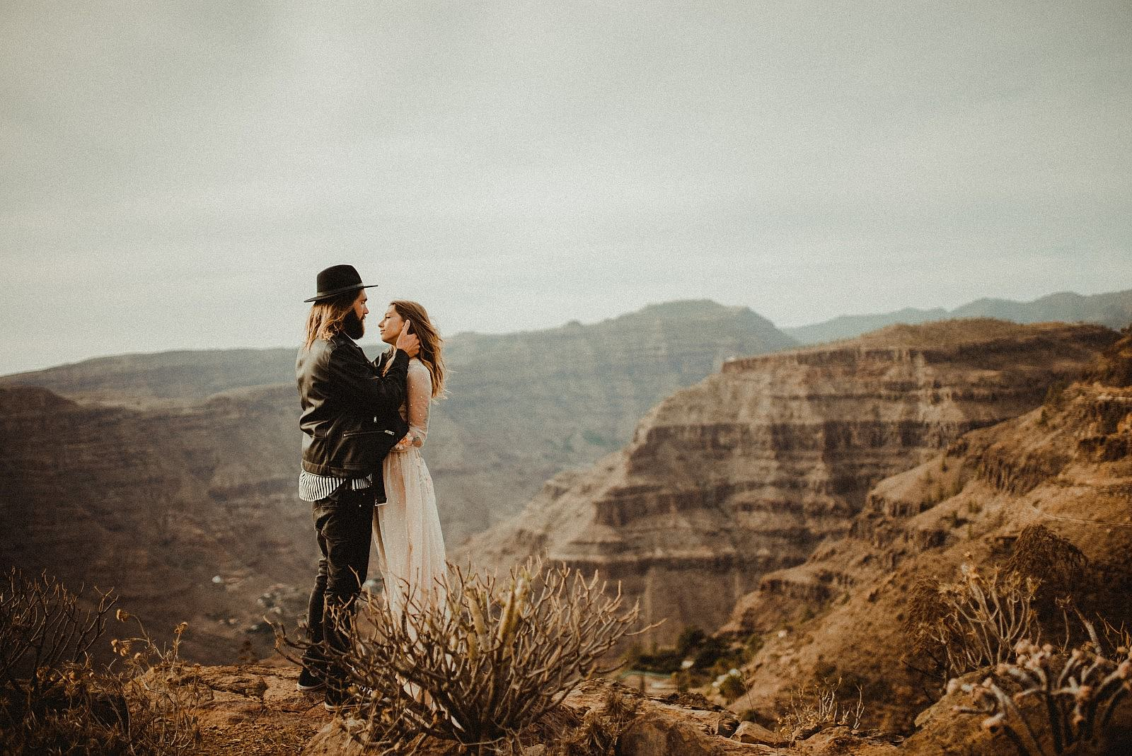 An adventurous couple in Gran Canaria filmed by Destination Wedding Videographer Kostas Petsas