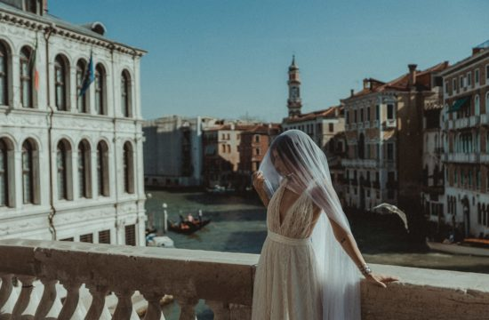 Venice wedding videographer filming bride in Rialto