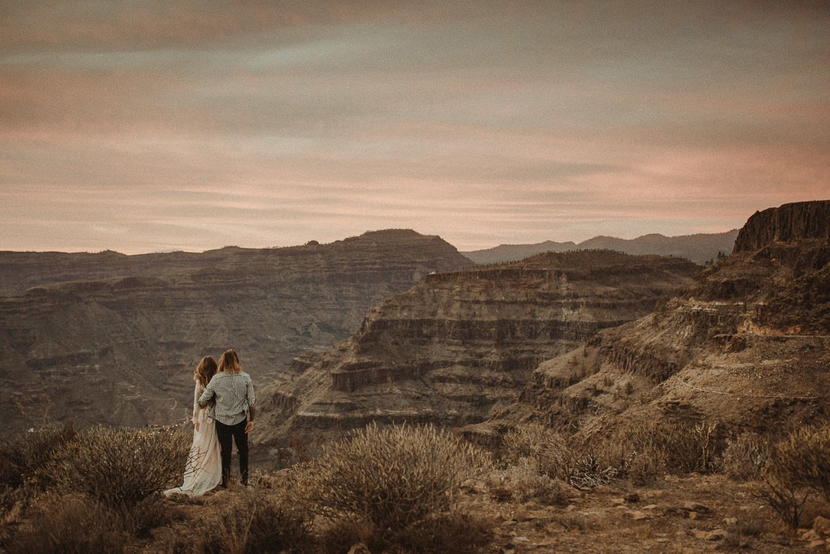 Wedding Videographer in Gran Canaria filming an Adventurous Elopement Gran Cueva