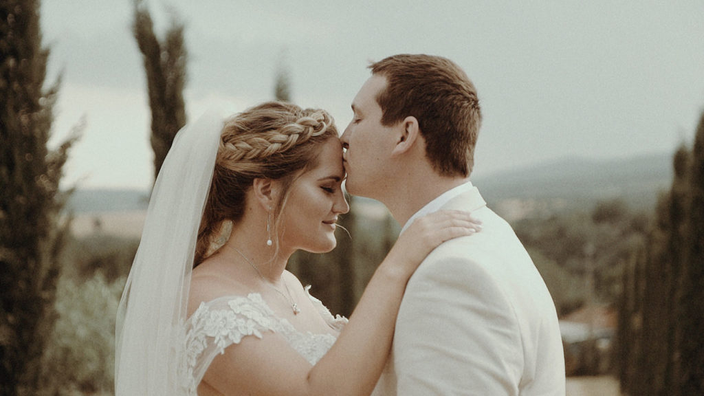 Best Umbria wedding videographer filming an elopement in Villa Rey Countryhouse