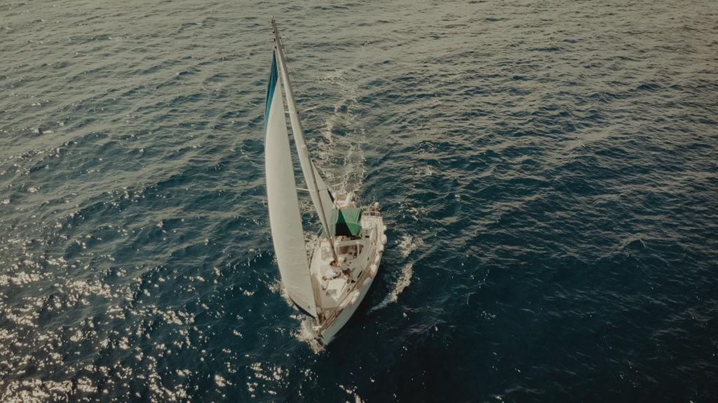 Sailing for a destination wedding in Balos Lagoon