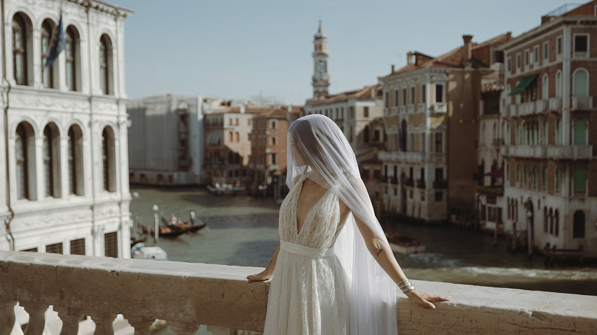 Picture in Venice after applying Poetry video color grading LUTS