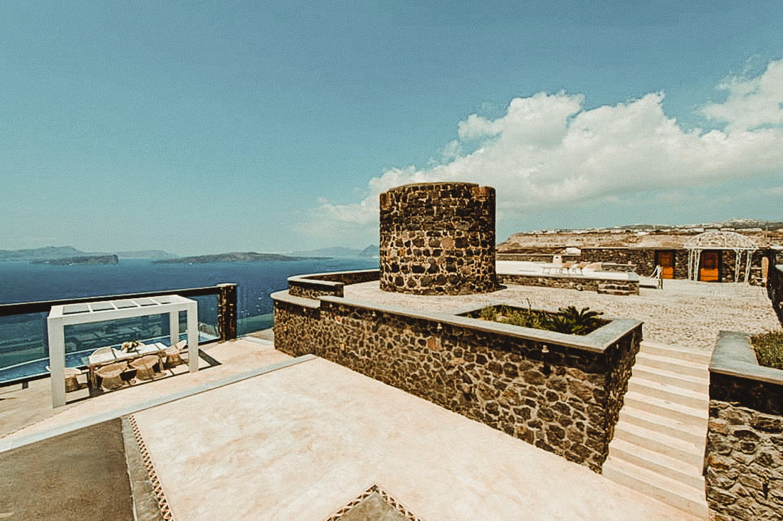 External areas of Cavo Ventus one of the top wedding venues in Akrotiri