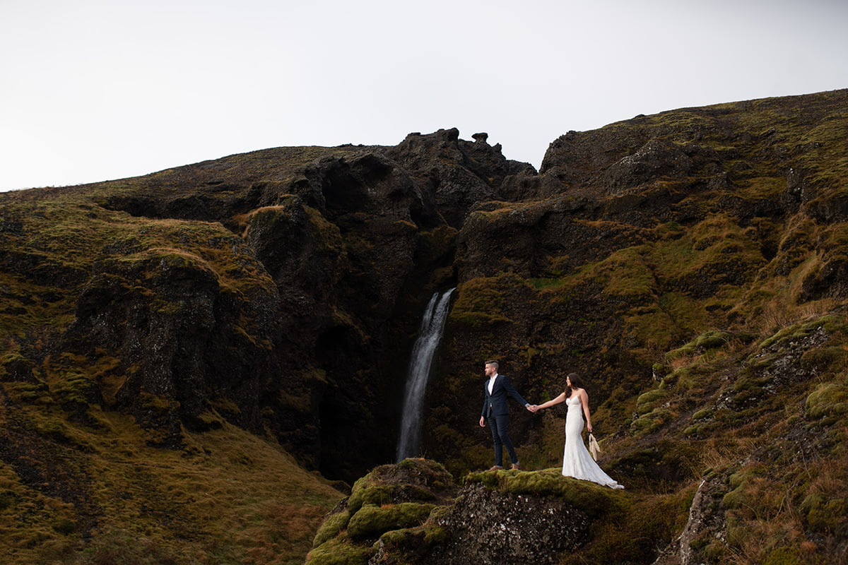 Elopement photography in Iceland before editing with lightroom presets
